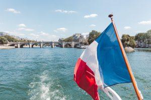 , Revue de presse, Frou-Frou, sous les jupons de la Seine